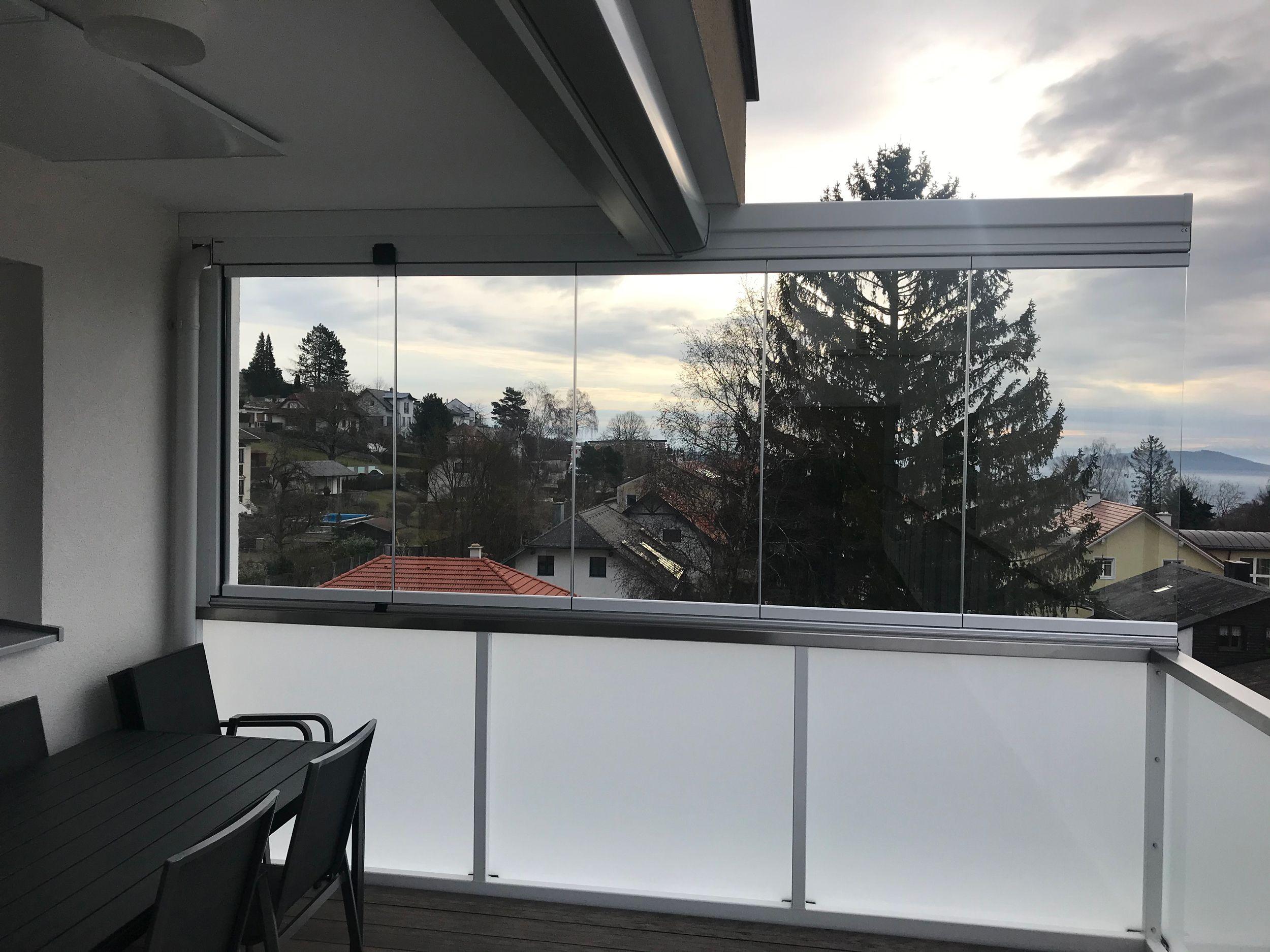 Balkonverglasung Windschutz Faltbar In 2020 Windschutz Fenster Und Turen Und Aluminium Fenster