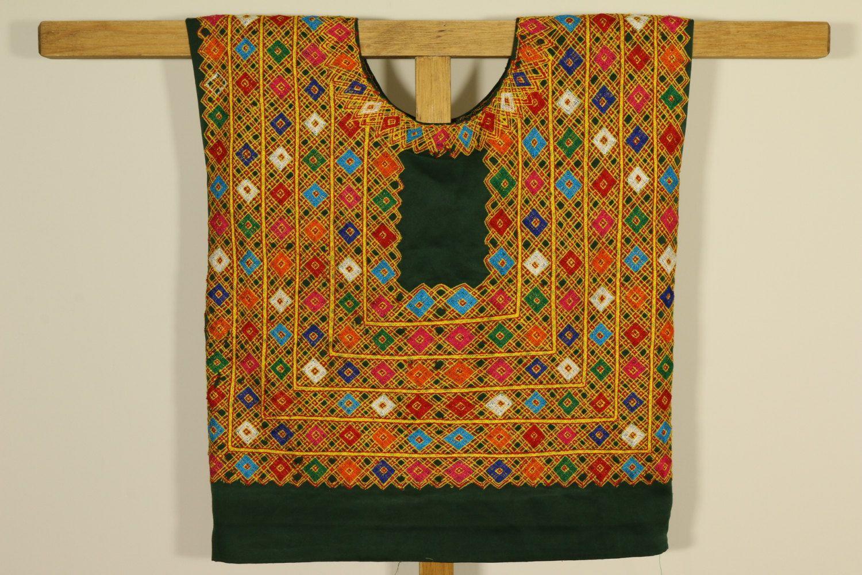 VINTAGE fashion: Blusa bordada Vintage verde y amarillo. Blusa mexicana vintage. Blusa vintage de Oaxaca. Blusa boho. estilo FRIDA Kahlo de CadenillayFlores en Etsy