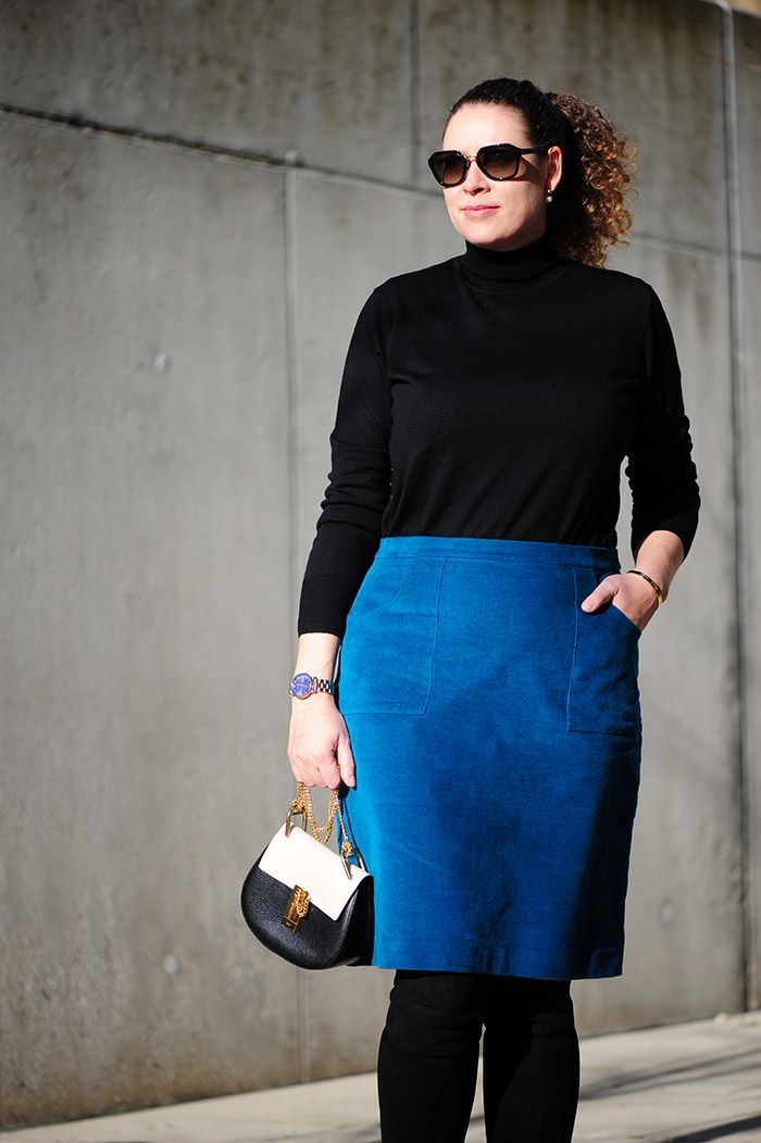 DIY velvet skirt :. #nähen #sewing #knipmode   #Ü30 #Mode #Outfits ...
