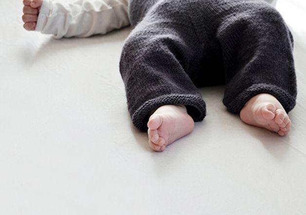 NATURKINDER Babystrampler und Hose Strickanleitung | Strampler ...