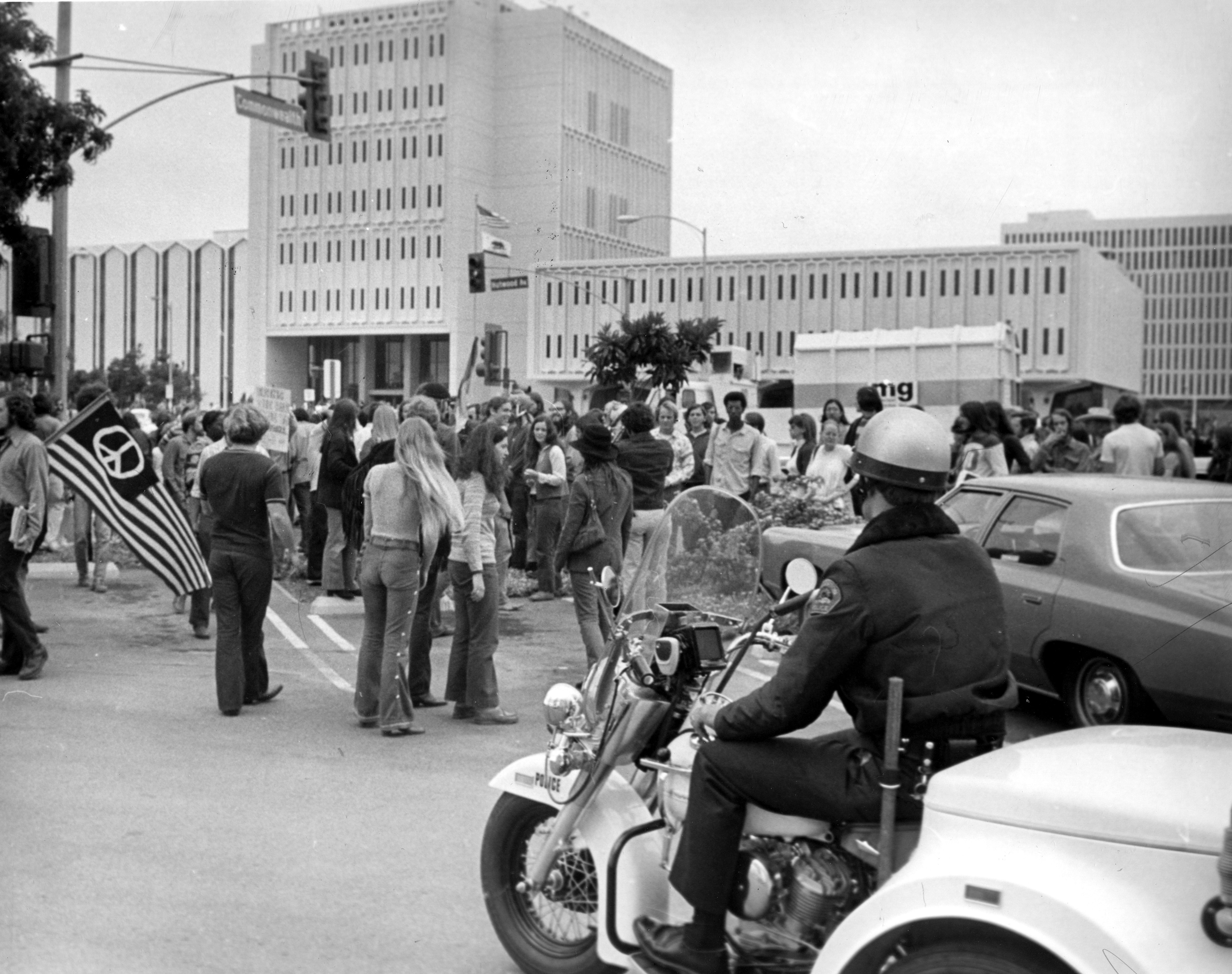 In 1969 The California State University Fullerton Campus Then Orange County State College Was The Well Publicized Site O Ca History Fullerton Orange County