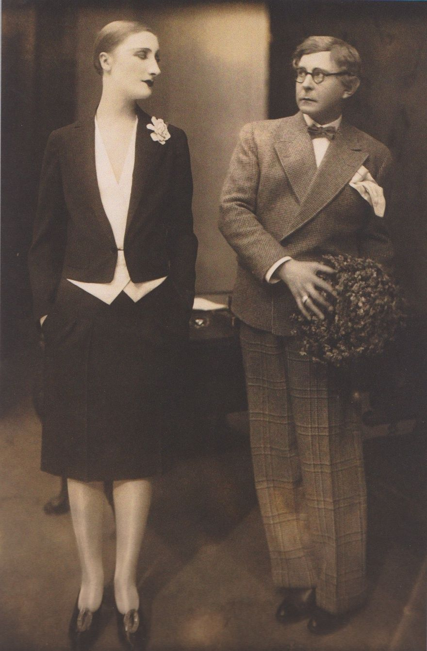 """Margo Lion (with Wilhelm Bendow on the right) in """"Was Ihr wollt, Nachrevue  in Neunzehn Bildern"""" Berlin, 1927"""
