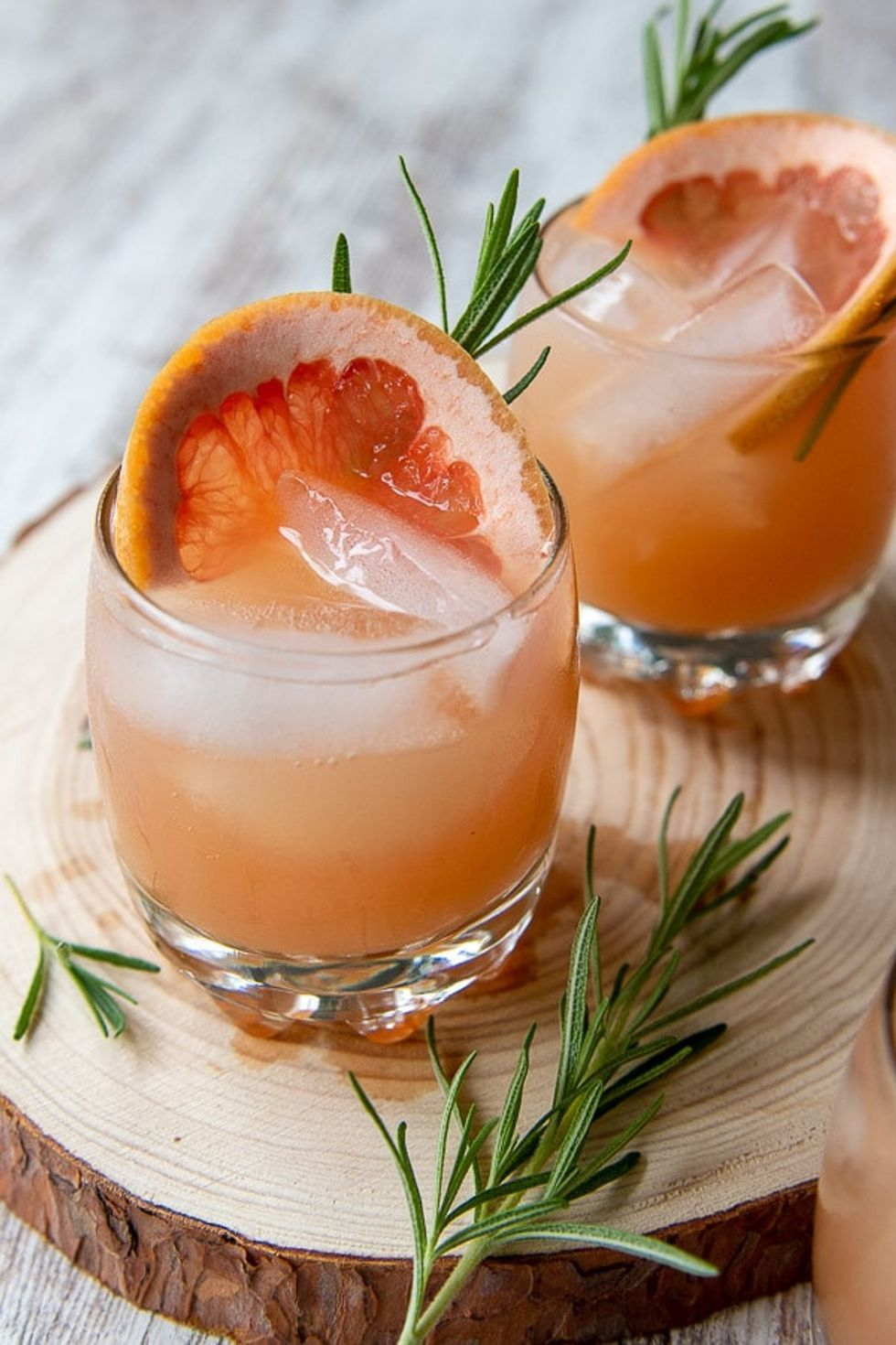 Sparkling Grapefruit Vodka Cocktail Recipe |Refreshing Grapefruit Cocktail #grapefruitcocktail