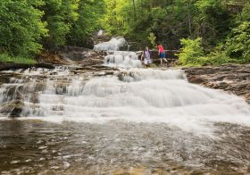 7 Easy Memorial Day Weekend Trips That Won T Cost A Paycheck East Coast Vacation Fall In Connecticut Waterfall