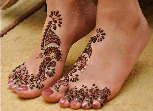 Henna Mehndi Nail Art : Pedicure toe nail art painted toenails with henna foot tattoo