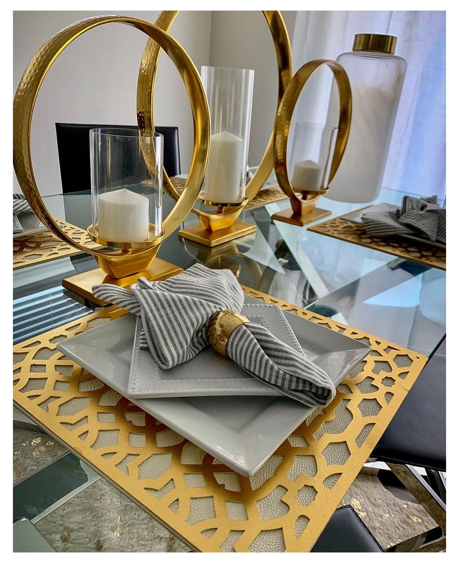 Glam Gold Decor Gold Dining Table Decor Golddiningtabledecor I Love My Dining Room In 2021 Dining Room Table Decor Gold Dining Room Table White Dining Room Decor