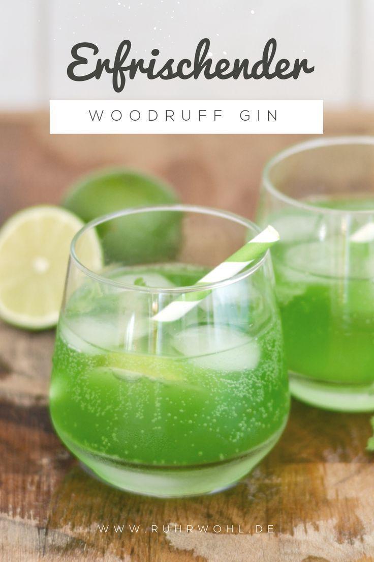 Gin mit Waldmeister und Sekt - einfaches Cocktail-Rezept