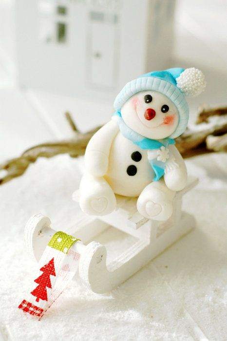 little snowman cake - by Kessy @ CakesDecor.com - cake decorating website