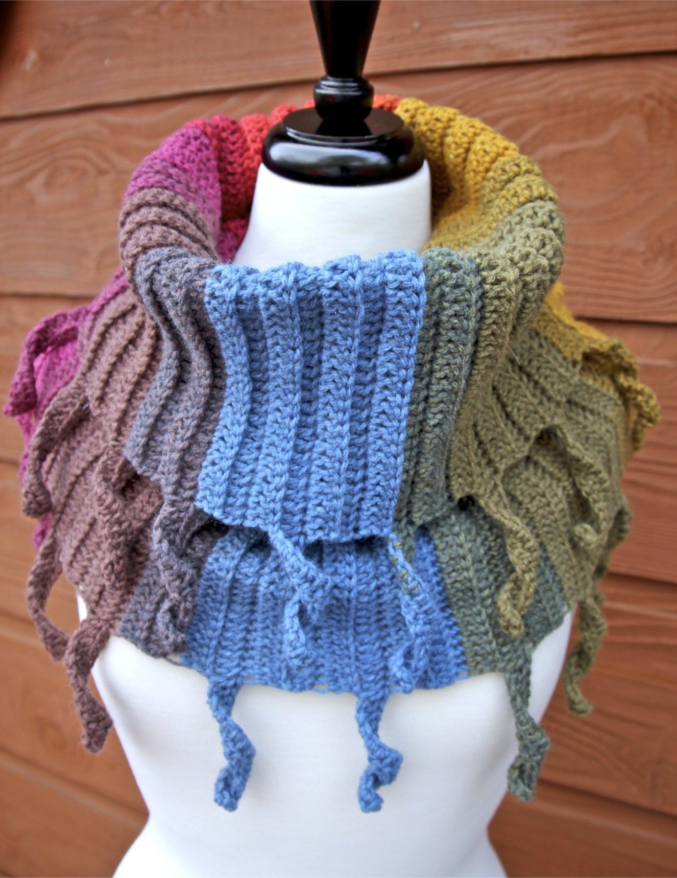 Curly Cute Cowl Crochet Pattern Crochet Patterns Pinterest