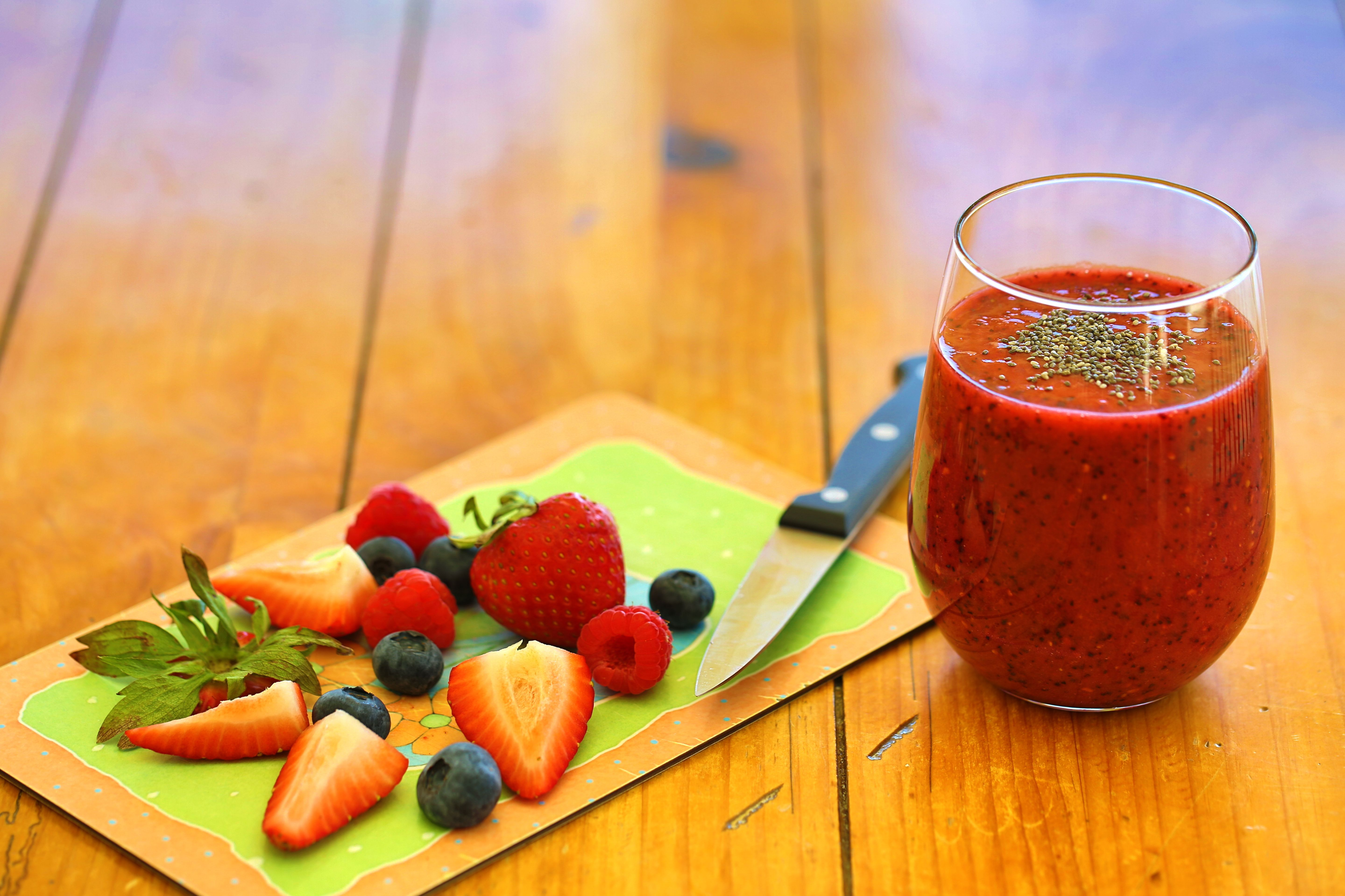Delicious Goji Berry Smoothie with Chia Seeds
