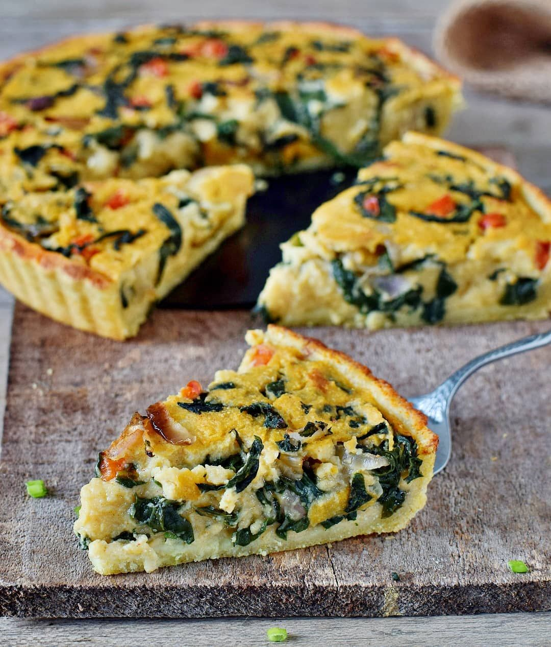 Vegan Quiche The Recipe Is Vegan Gluten Free Hearty Filling Delicious And Perfect For Breakfast Snack Lunch Or Quiche Recipes Vegan Quiche Savory Vegan