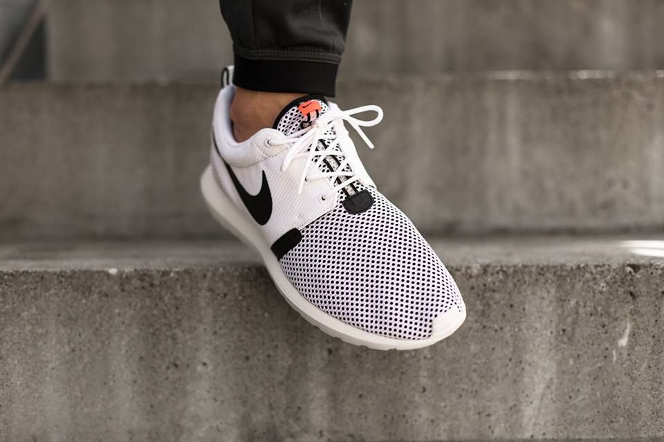 lowest price fad12 ae390 Nike Roshe Run NM Breeze White Black Hot Lava