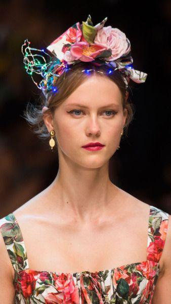 Julie Hoomans for Dolce & Gabbana SS17