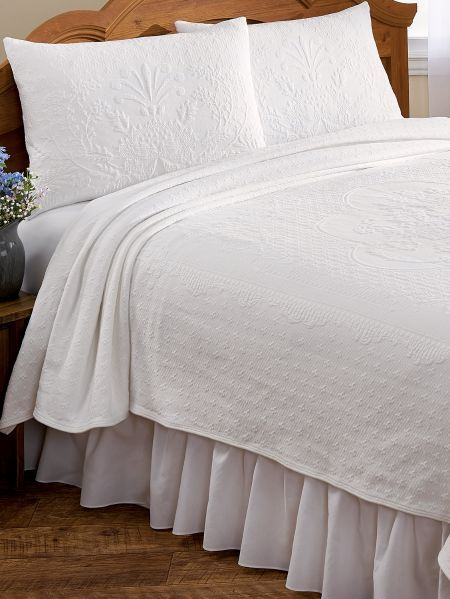 Abigail Adams Matelasse Coverlet Or Pillow Sham Pillows - Weies Metallregal Good Regal Medallion Series Cclamp Traditional