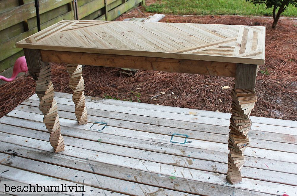 Entryway Table Made From Pallets and Fence Panels.
