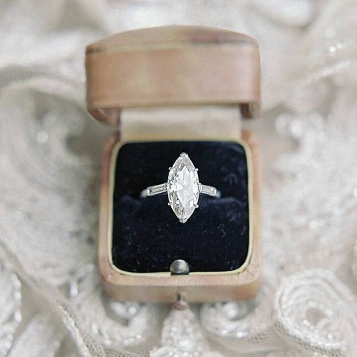 17 awe-inspiring marquise engagement rings to inspire | Marquise diamond engagement ring #engagementring #marquise #engaged