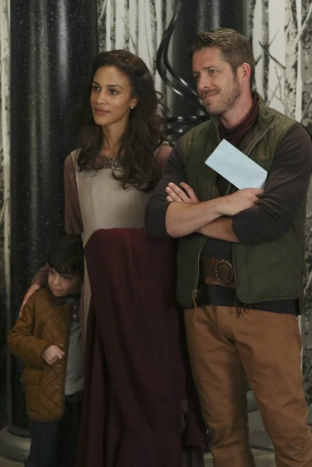 nooooo! just no. I don't mind Marian, but I mind that Robin isn't with Regina.