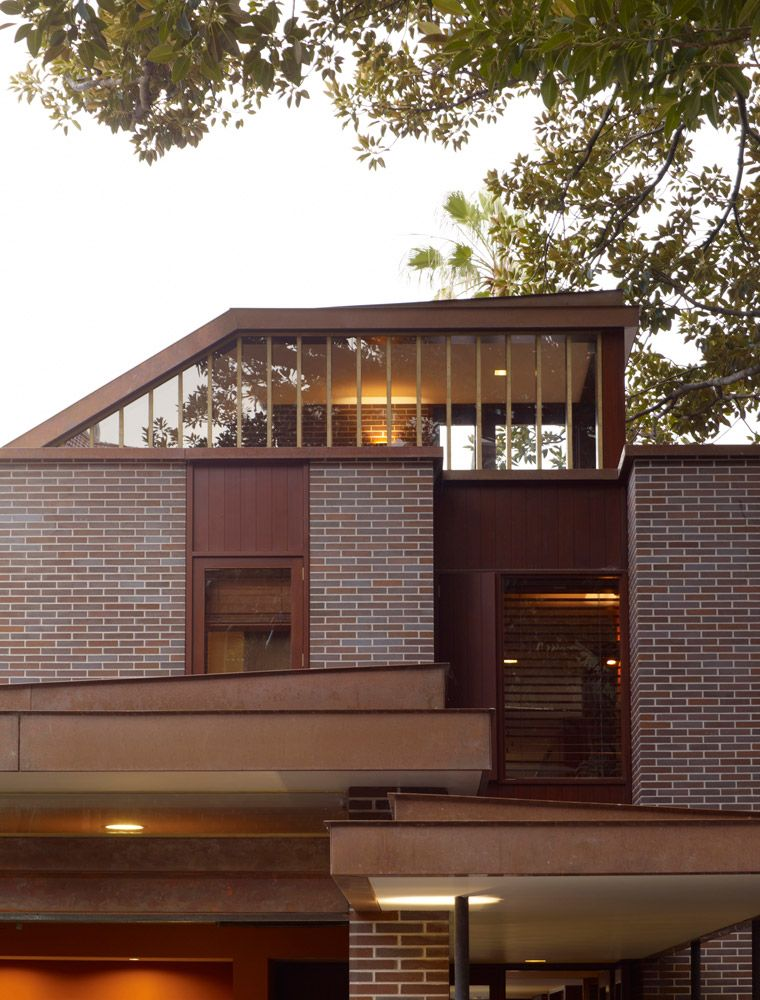 Final brick choice gertrudis brown House styles, House