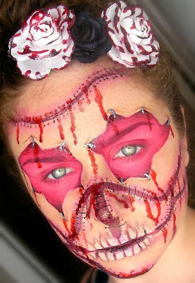 Please vote for this entry in Día de los Muertos Face Painting Contest!