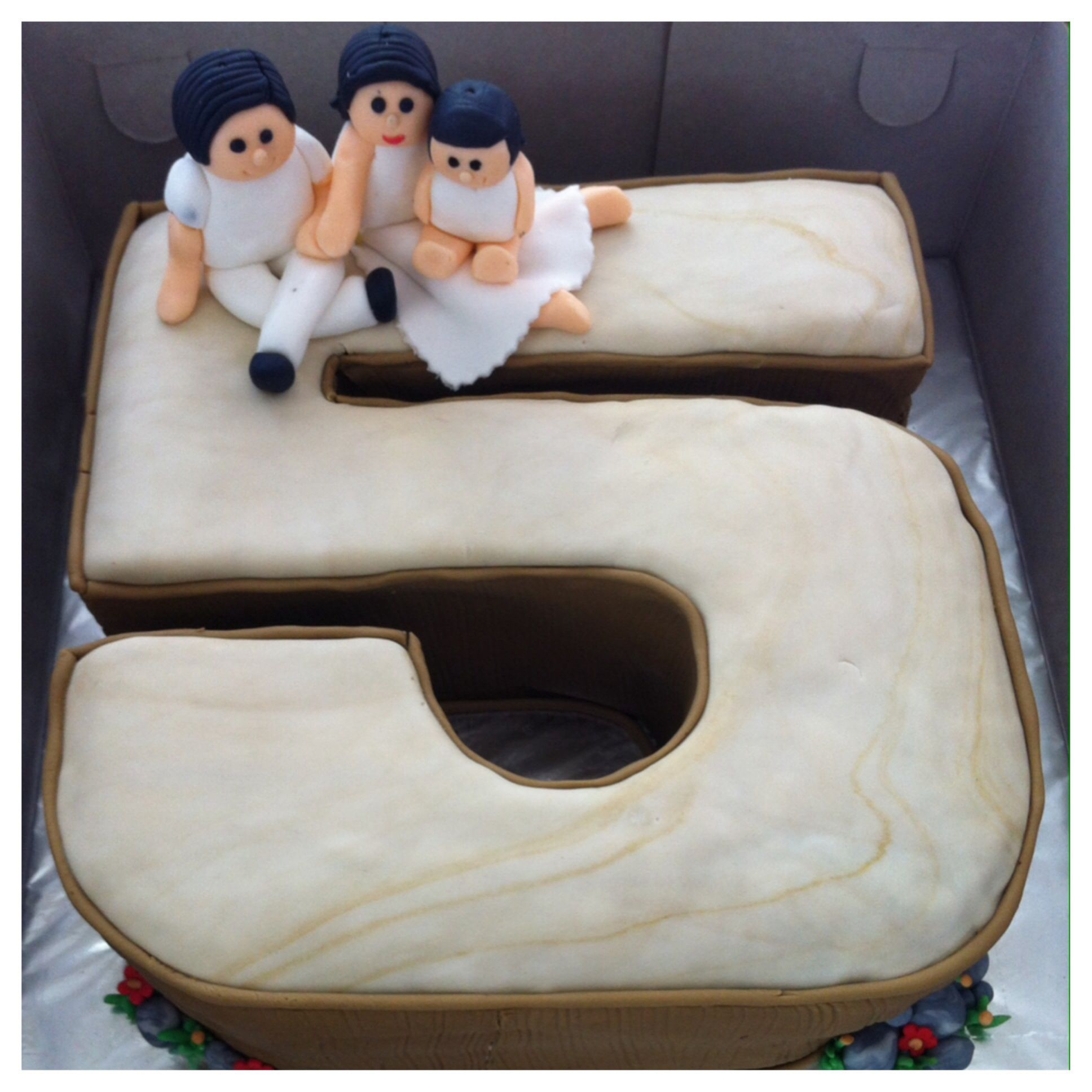 Our 5th Wedding Anniversary Cake It S A Wood Year Anniversary