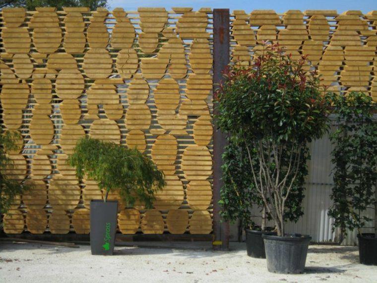 Cl tures de jardin en 59 id es captivantes en bois for Palissade jardin originale