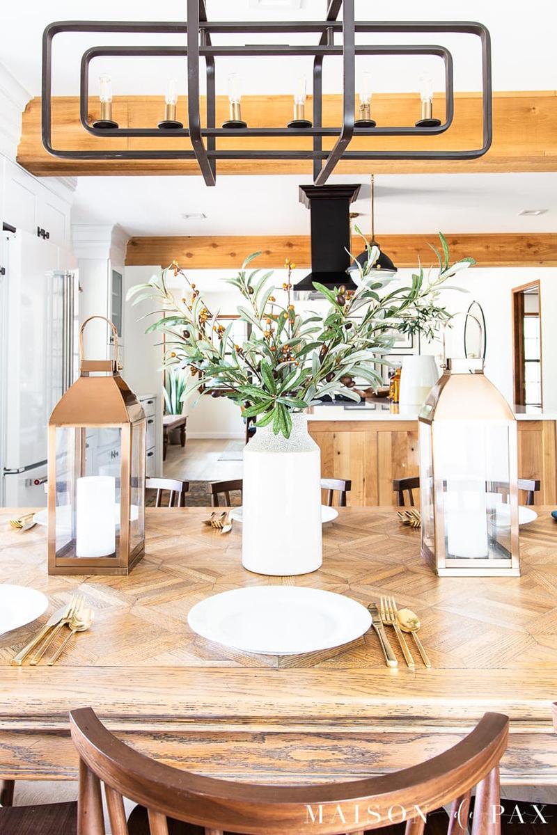 Fresh and Fabulous Farmhouse DIYs and Ideas Fall dining