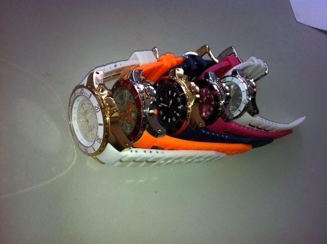 Onze privé collectie KYBOE! horloges ... nog net geen regenboog...