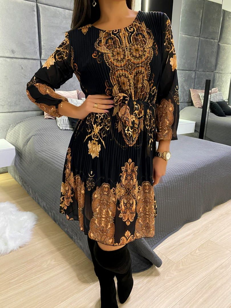 Czarna Sukienka Ze Zlotym Wzorem 5220 12 Modnakiecka Pl Long Sleeve Dress Dresses With Sleeves Dresses