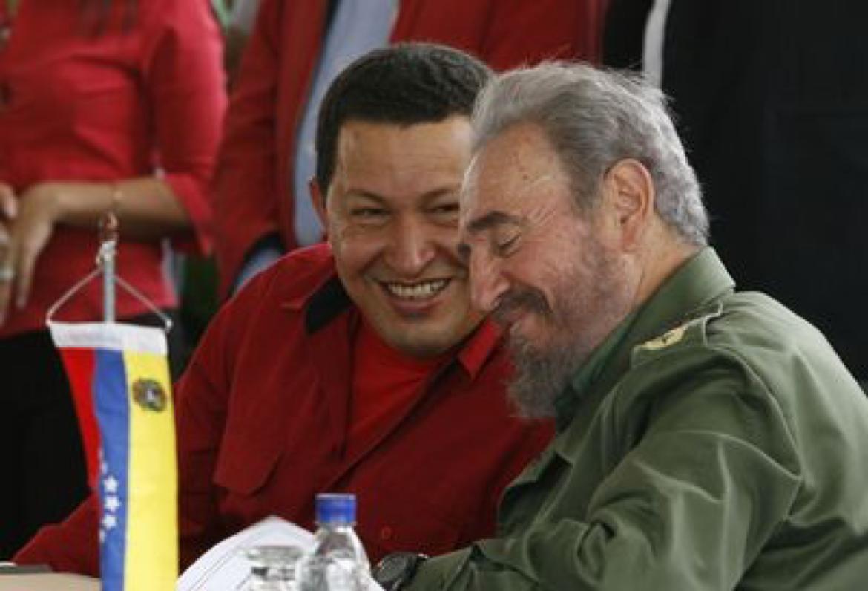 Porsiemprefidel Cómo Fidel Conoció A Hugo Chávez Descúbrelo En Nuestro Especialweb Bit Ly 2fveucf Lost People Las Vegas Fidel Castro