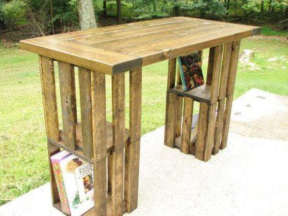 cajas de madera de la fruta que podemos emplear para fabricar prcticos muebles como esta