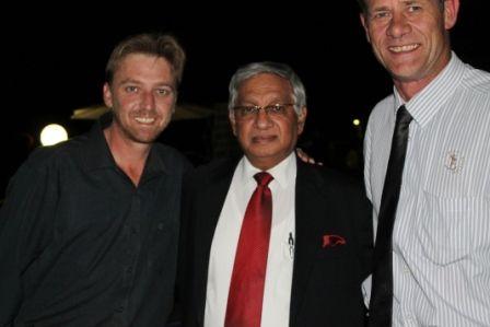 #MandelaMarathon Mayor Bhamee @Craig Fry & @Comradesrace director Johan van Staden  #Redlands #PMB