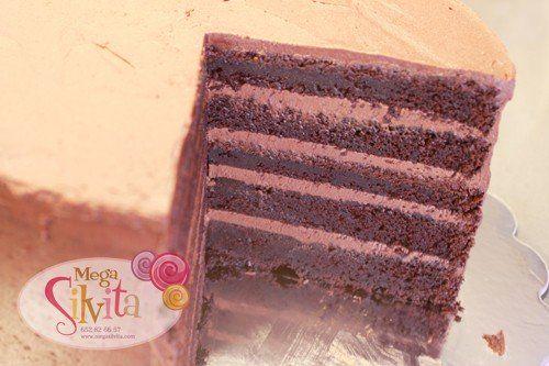 Tarta Vampi Charuca: Bizcocho Super Chocolate Cake Y Buttercream Fugde Chocolate….BOMBAAAA!!!!
