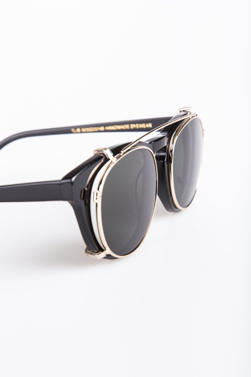 b3dfc1ae0c2 THe Han Kjobenhavn Sunglasses Timeless Clip-on Black are beautiful and  subtile shaped sunglasses from Han Kjobenhavn. The model features a clip-on  frame