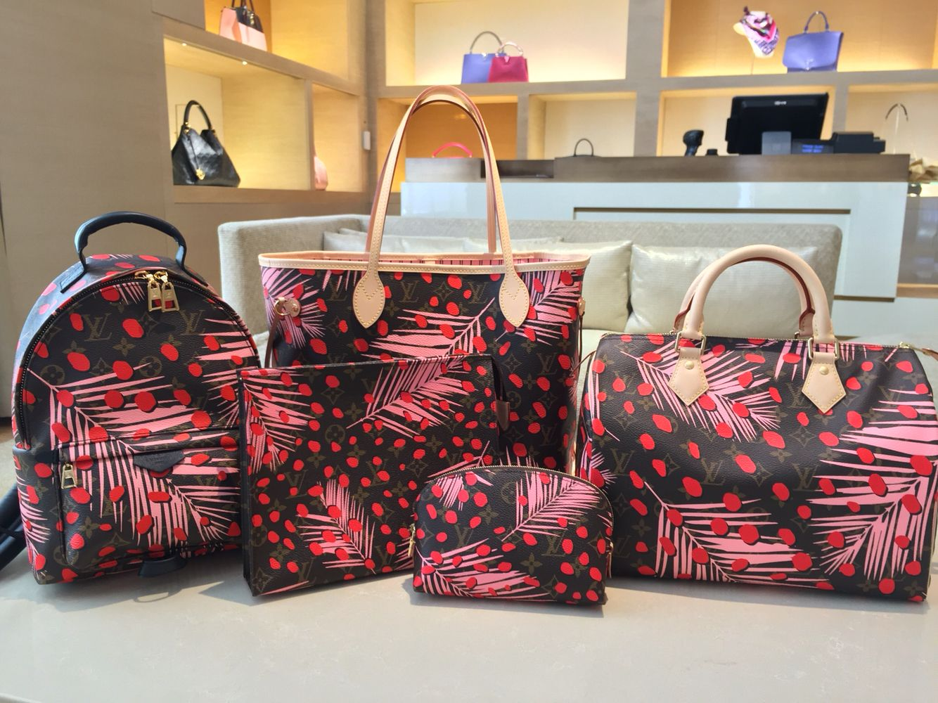 8818a4182044 Jungle Palm and Dots  louisvuittonhandbags  louisvuitton  handbag  jungle   springcollection  neverfull  speedy  lvbackpack
