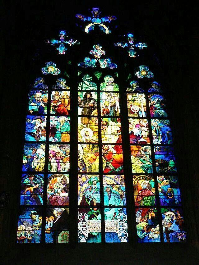 Vitral de la Catedral de San Vito en Praga