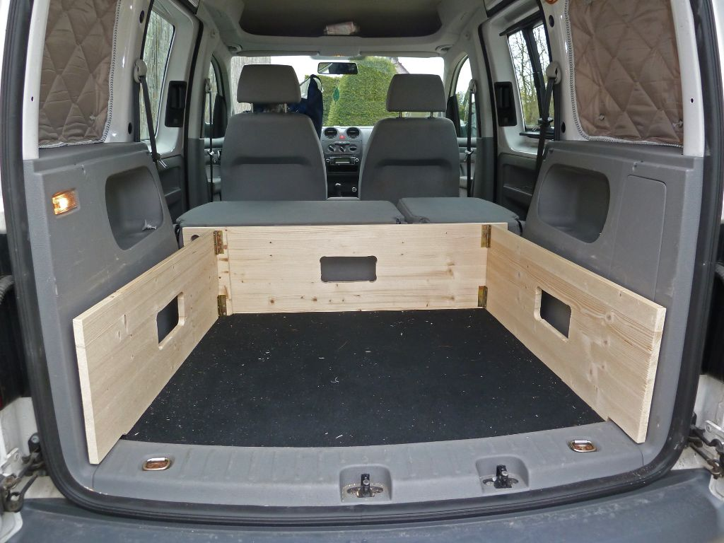 caddy camper ausbau 06 fenster oder mit klett vw. Black Bedroom Furniture Sets. Home Design Ideas
