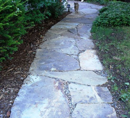 I would love to have a flagstone walkway from the driveway to the front door and from the front door to the street. #gardenpathway #garden #pathway #to #front #door #walkwaystofrontdoor