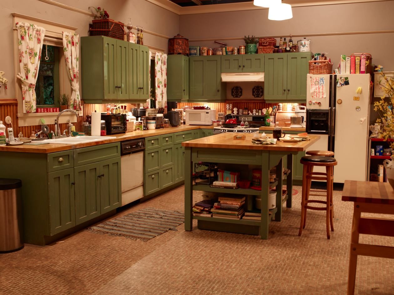 Best Parenthood Season 5 Home Kitchens Foster House 400 x 300