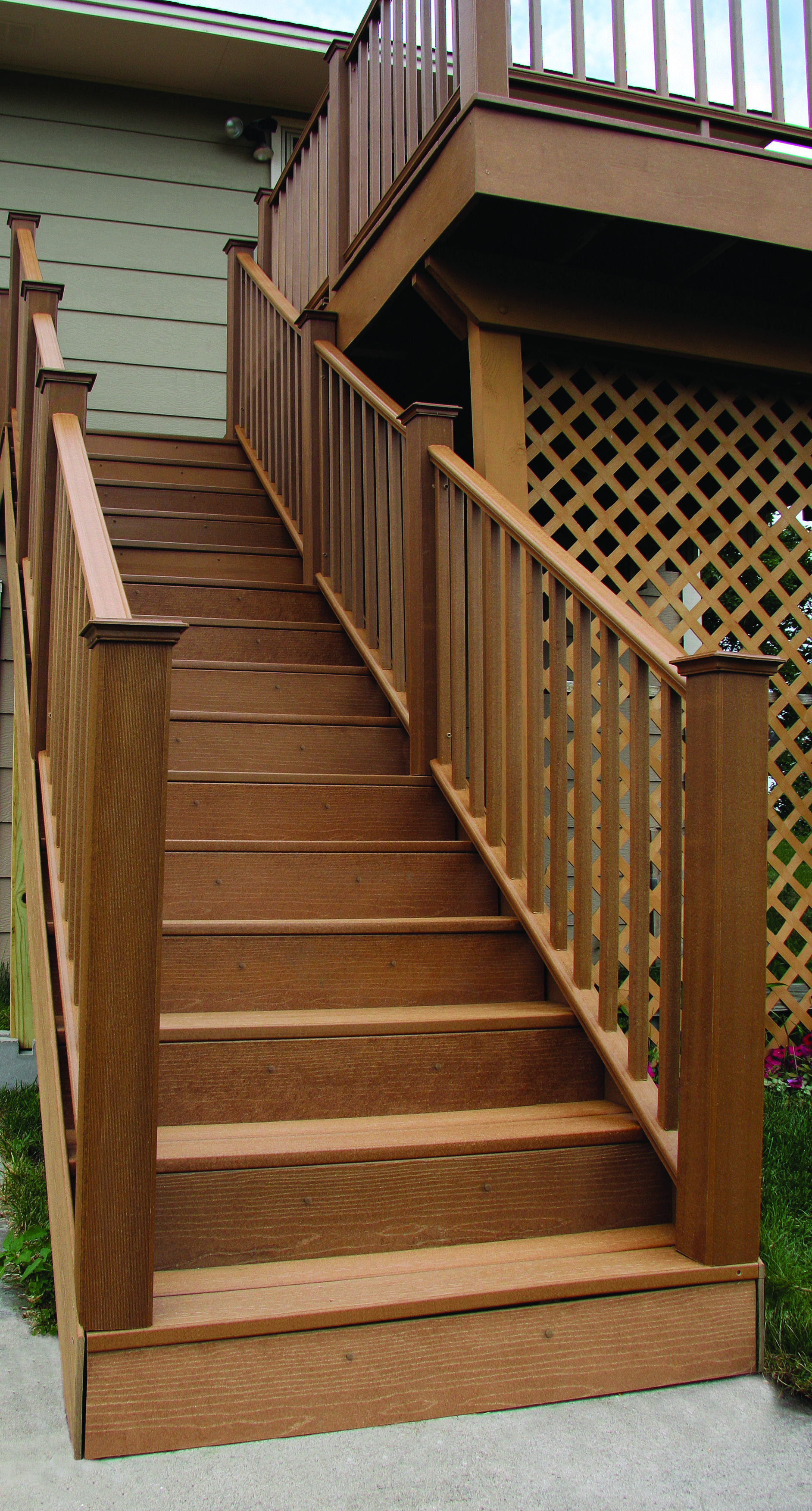 Complement your deck design with 32'' UltraDeck Rustic