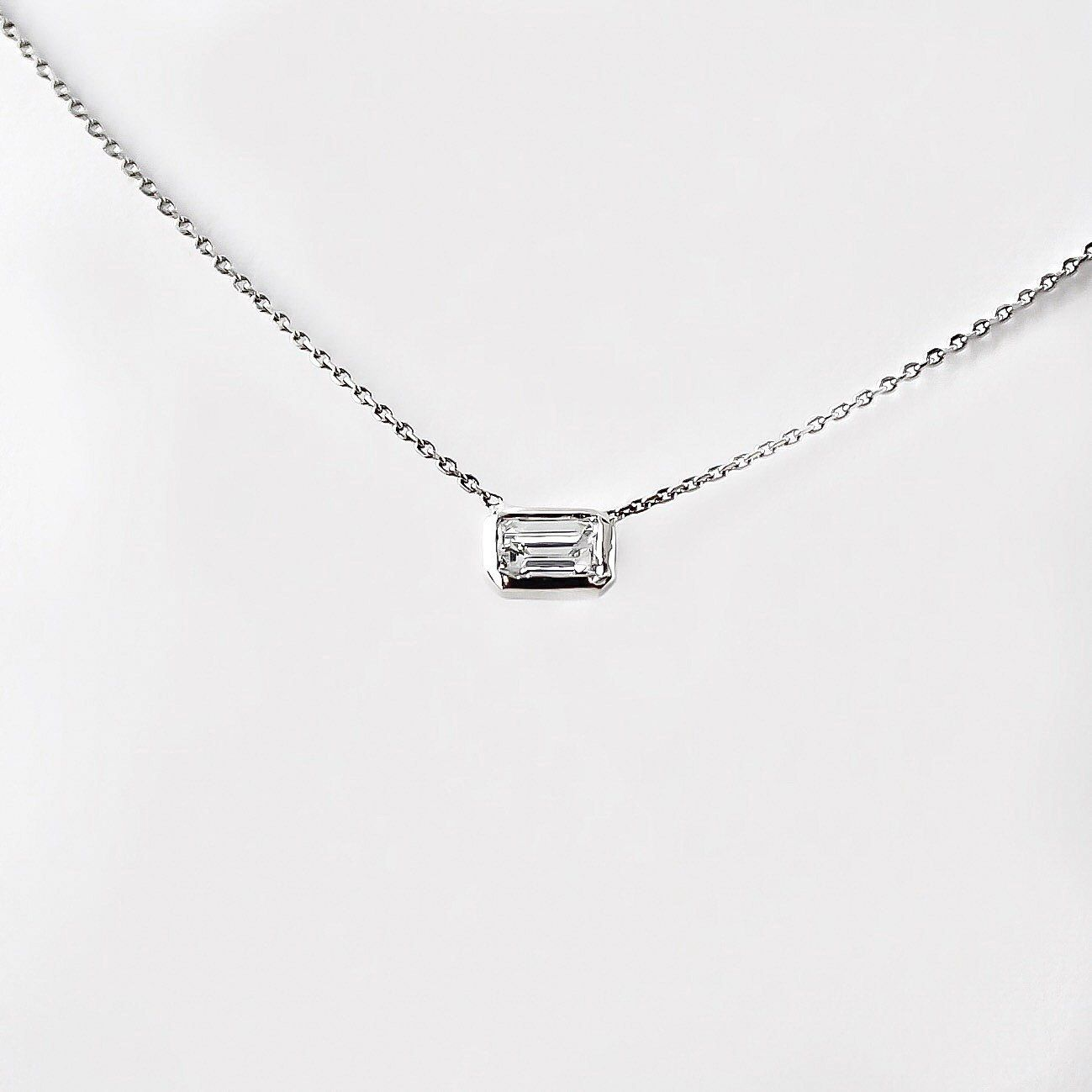 cut badger diamond necklace au emerald yael wolf joaillerie