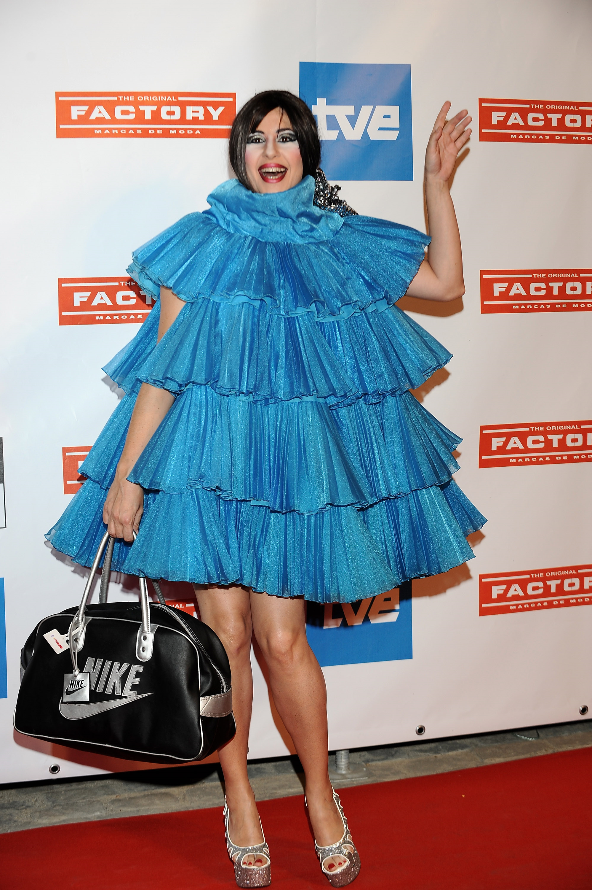 Forum on this topic: Crazy Celebrity Outfits We'll Never Forget, crazy-celebrity-outfits-well-never-forget/