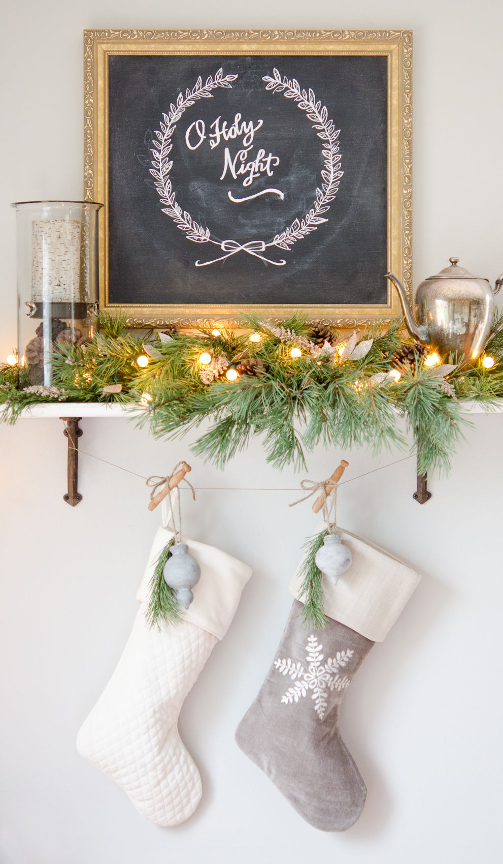 Beautiful Holiday Decorations Ideas Part - 13: 27 Brilliant Ways To Decorate Your Small Space For Christmas