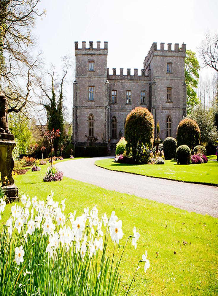 Best wedding venues in England. Castle wedding venue