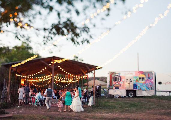 Colorful Texas wedding | photo by Paige Newton | 100 Layer Cake