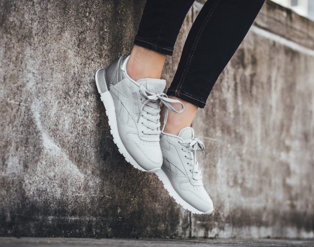 Sneakers femme Reebok Classic Leather Matte Shine pack grey silver