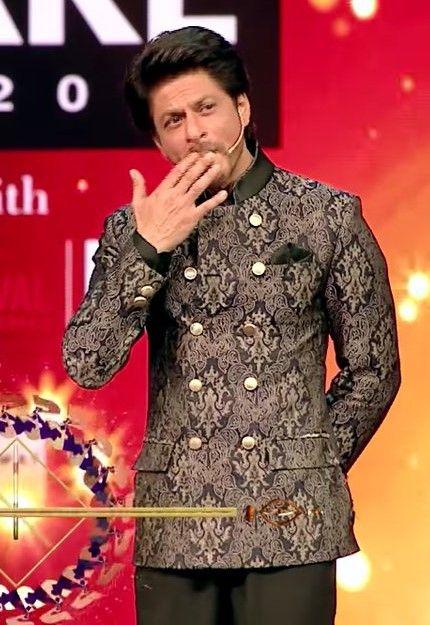 Filmfare Award Show 2017 | SHAHRUKH KHAN (nam to suna hoga