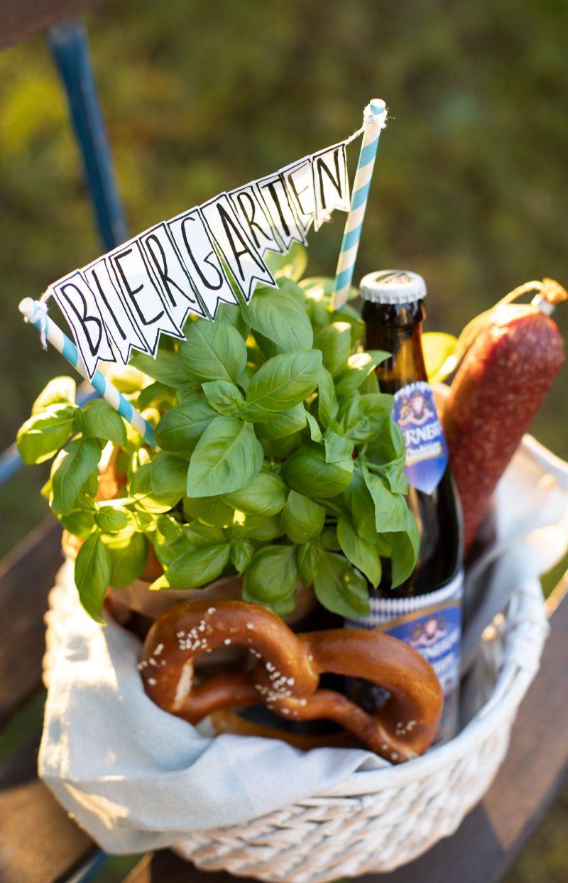Geschenk für den Vatertag: DIY Mini-Biergarten