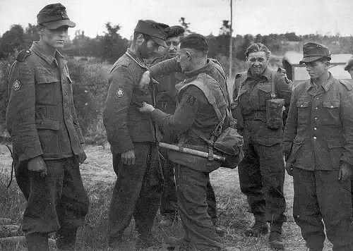 1944 - Gebirgsjager POW, pin by Paolo Marzioli