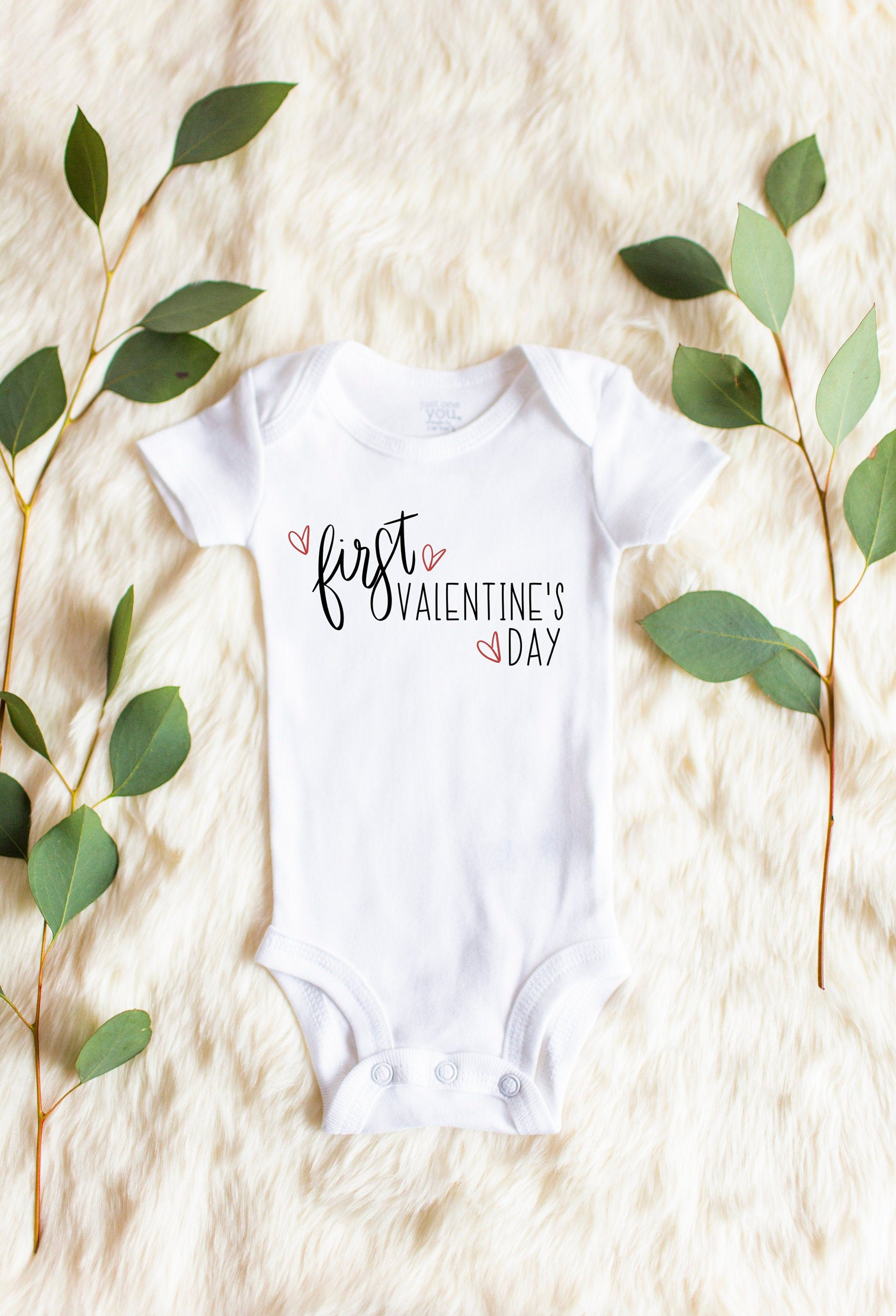 Personalized First Valentine/'s Day Outfit for Baby Pregnancy RevealBirth Announcement Prop Infant Bodysuit With Name New Baby Gift