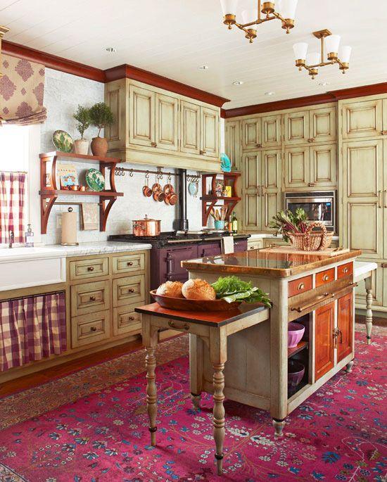 Una cucina in stile rustico può essere anche un open space con una zona pranzo senza pareti divisorie: Cozy Kitchen With Warm Colors Cozy Kitchen Rustic Kitchen Rustic Kitchen Design